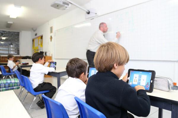 consejos-elegir-mejor-colegio-bilingue-para-ninos