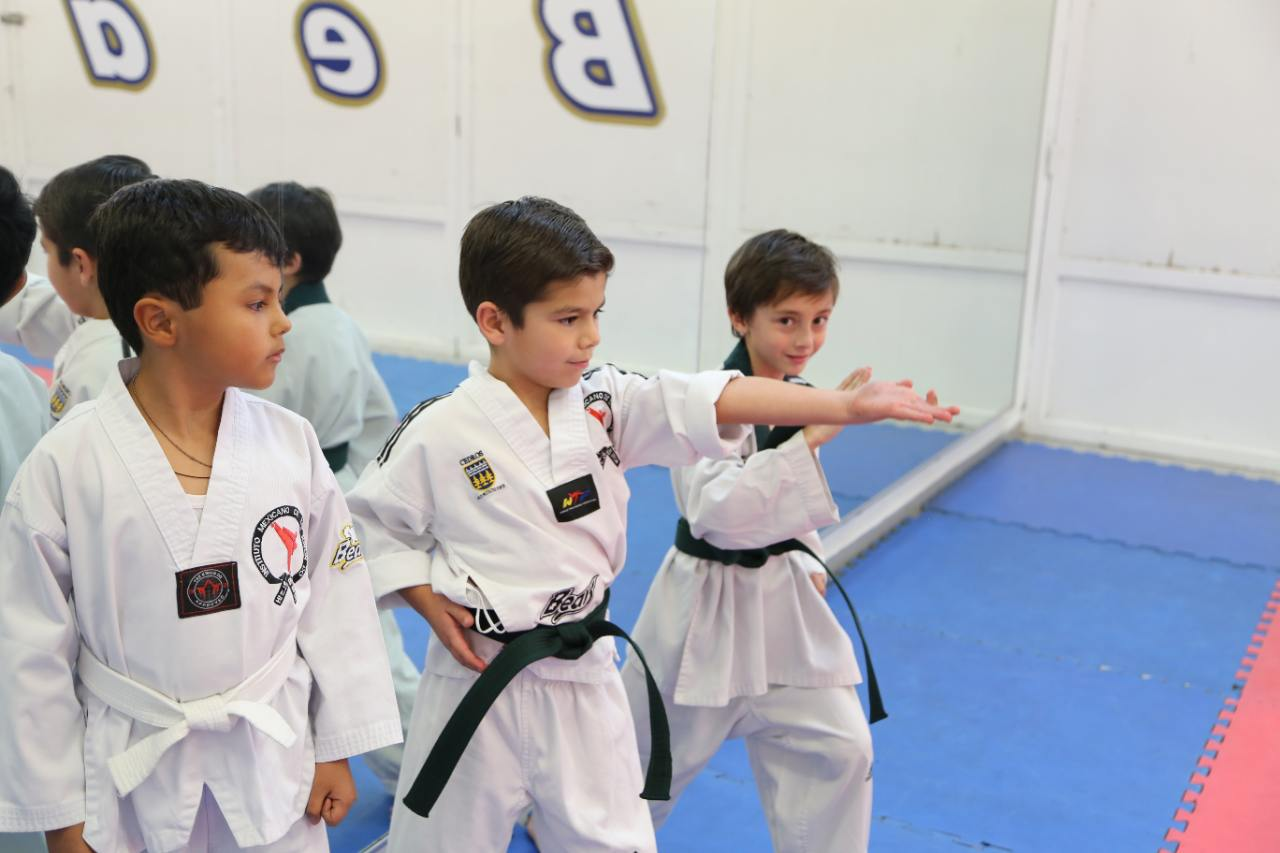 taekwondo-deportes-ideales-colegio-privado-para-ninos