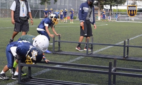 cedros/primaria-privada-para-ninos-futbol-americano