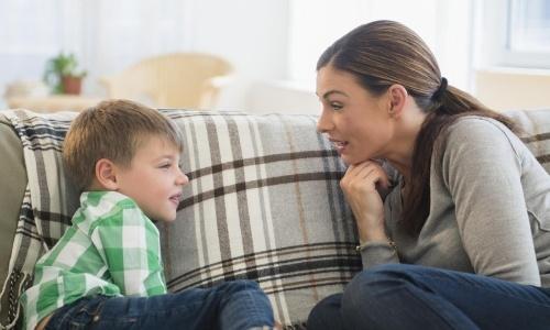 ensenar-resolver-conflicto-hijo-preprimaria-privada-nino-