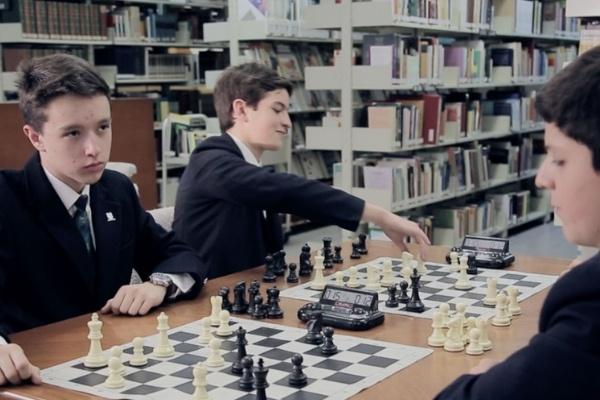 beneficios-ajedrez-primaria-privada-para-ninos