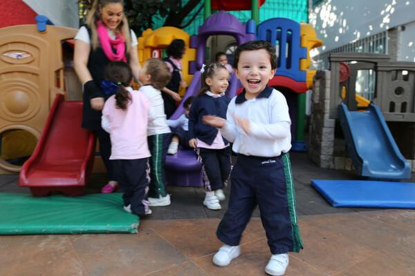 importancia-instalaciones-educativas-patio-juegos-kinder-en-coyoacan