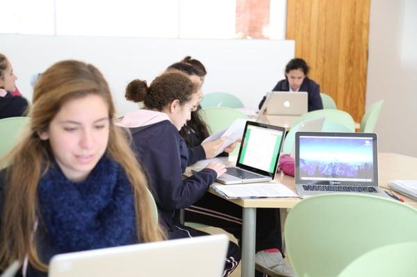 tecnologia-parte fundamental-de-educacion