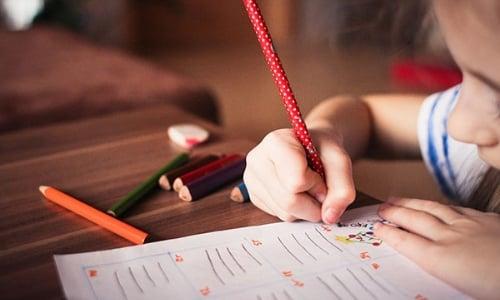 colegio-privado-ninas-habitos-estudio1