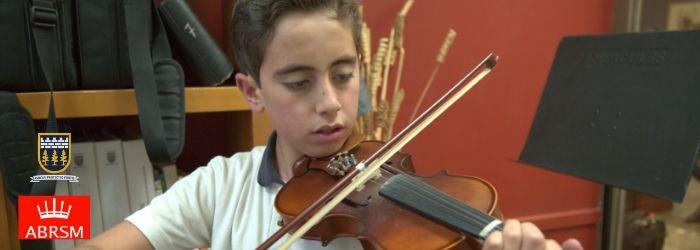 Cedros y la certificación de estudios musicales por el ABRSM